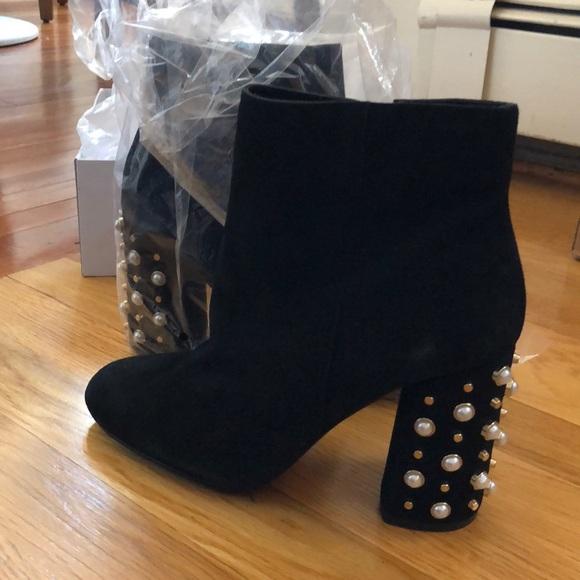 263b2150bf9 Steve Madden Yvette black suede heeled boot NWT
